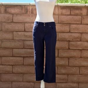 Tommy Bahama Stretchy Cropped Jeans